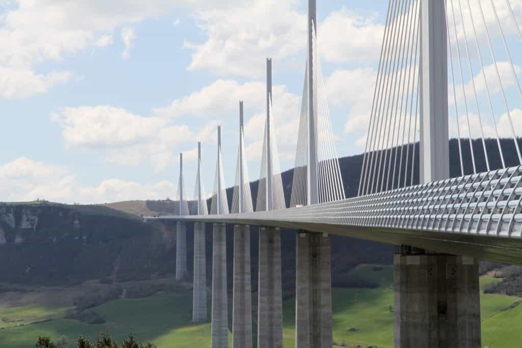 高所にかけられた橋