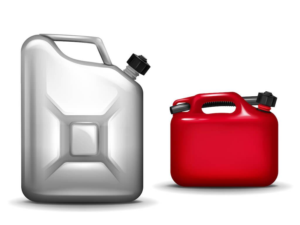 ガソリン携行缶とポリタンク