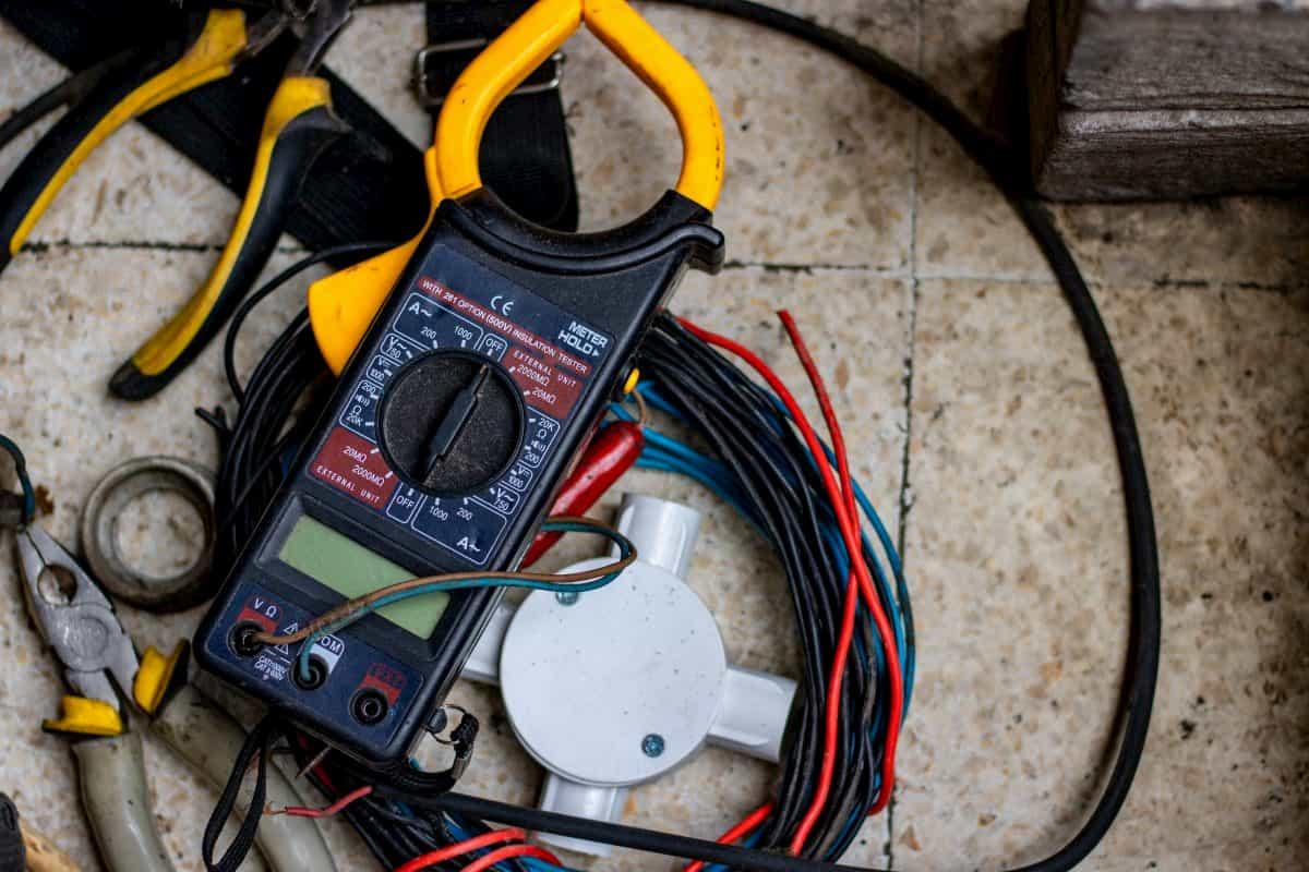 電気工事に必要な工具材料
