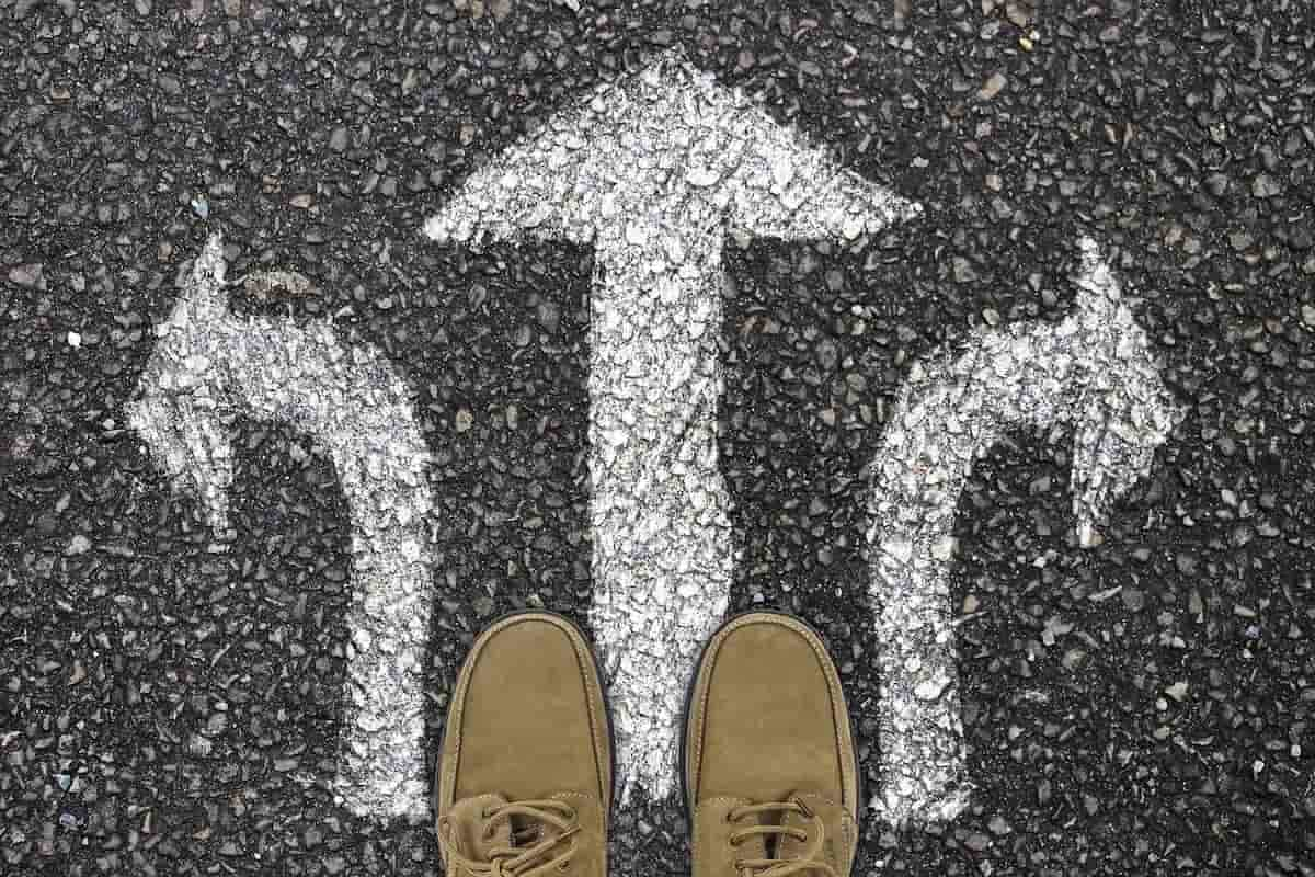足元の分岐点